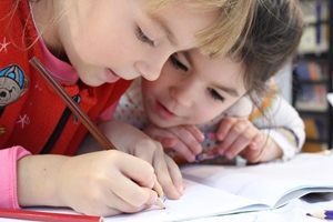 children-cute-drawing-159823_s
